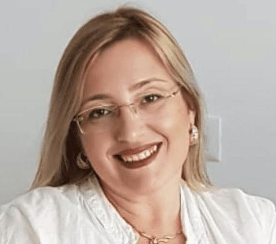 אלינה מנציקובסקי, בוגרת הקורס
